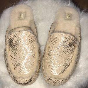 Ugg metallic snake slides new